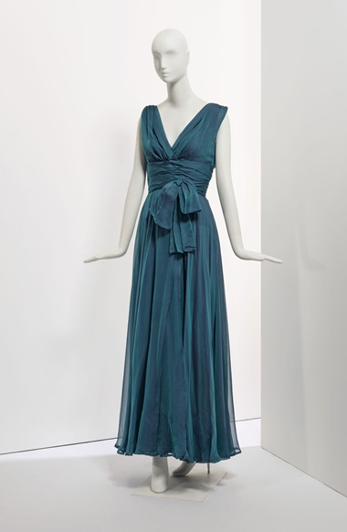An evening gown in draped silk mousseline, Spring-Summer 1997. Sold for €8,125 on 24 January at Christie's in Paris