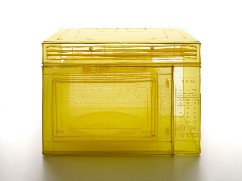 Do Ho Suh, Microwave Oven, Unit 2, 348 West 22nd Street, New York, NY 10011, USA, 2015. Polyester fabric, stainless-steel wire, and glass display case with LED lighting. 29.92 x 36.22 x 26.38 in (vitrine) (76 x 92 x 67 cm). © Do Ho Suh. Courtesy the artist and Lehmann Maupin, New York, Seoul and Hong Kong
