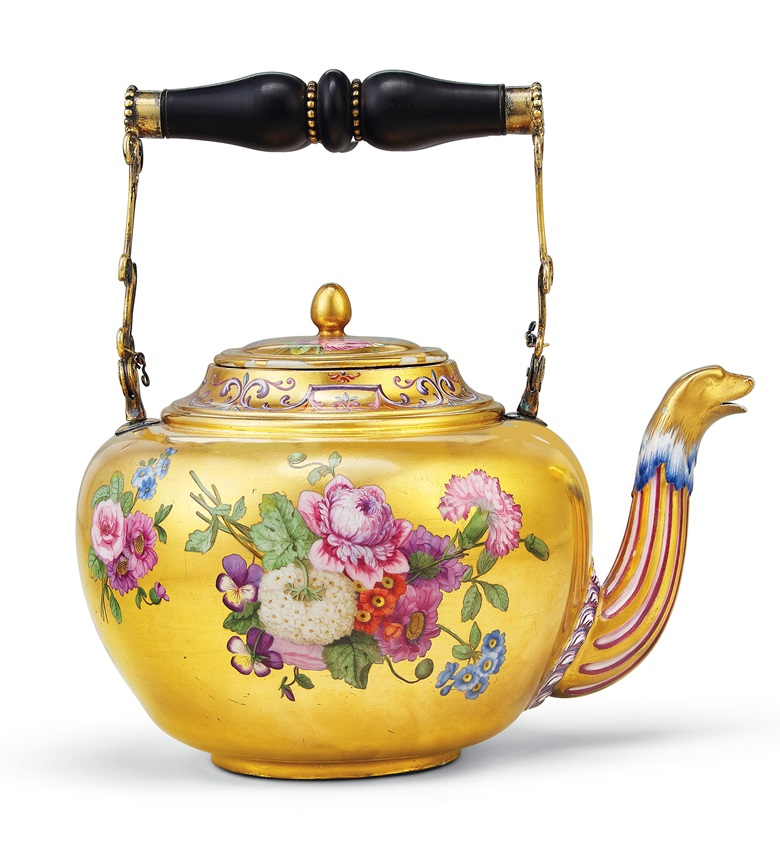 A Sèvres (hard paste) porcelain gold-ground teapot and cover (theière 'bouillotte'), circa 1779. Estimate $30,000-50,000. Offered in Dalva Brothers Parisian Taste in New York on 22 October at Christie's in New York